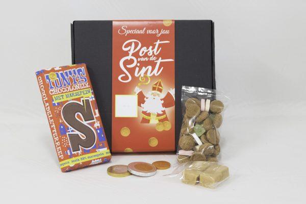 Post van de Sint met chocoladeletter en kruidnoten